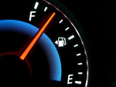 自動車の給油口の左右の見分け方 - CASIO QV-R40