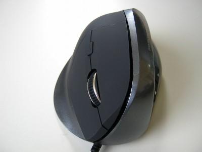 人間工学形状で腱鞘炎になりにくいサンワサプライのマウス - Canon PowerShot A495